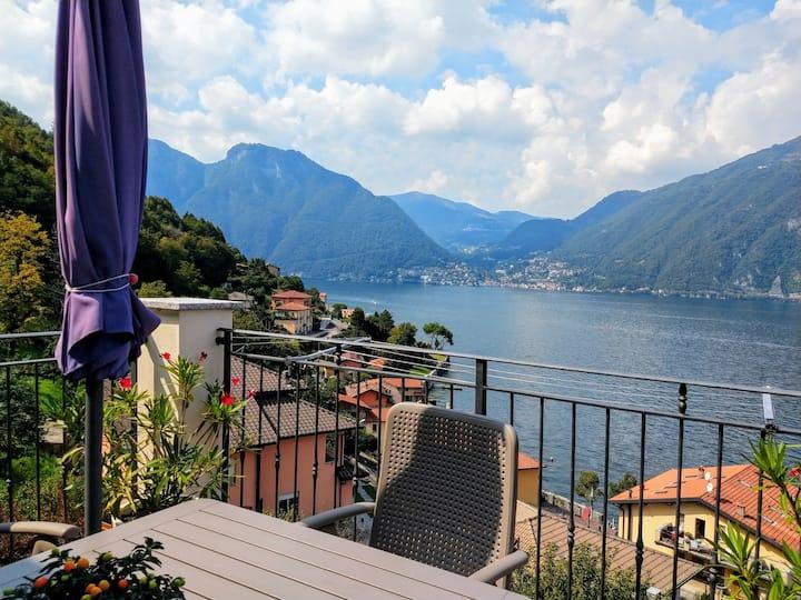 Luxurious apartment; breathtaking view Lake Como