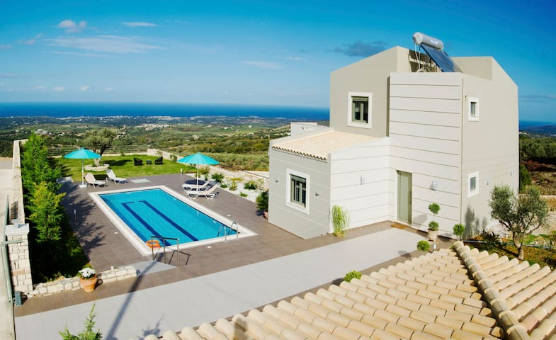 Villa Horizon, Privacy, Scenic Views & Exterior - Ρέθυμνο