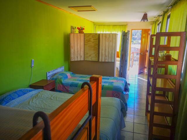 Habitación Compartida, RE Cama 2