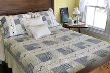 Bedroom 3-- Full sized bed