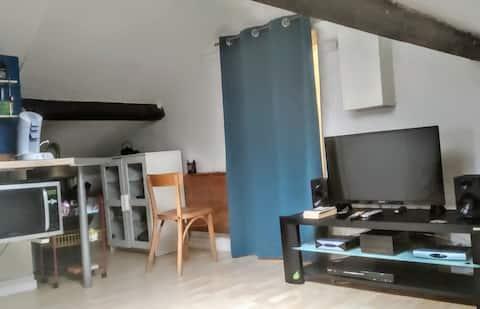 Fint studio i hjertet av Oberkampf
