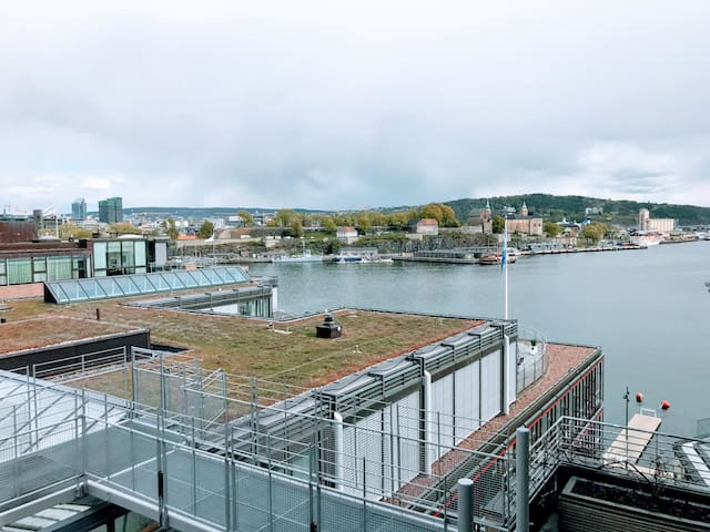 Aker Brygge - upscale apartment – heated pool!