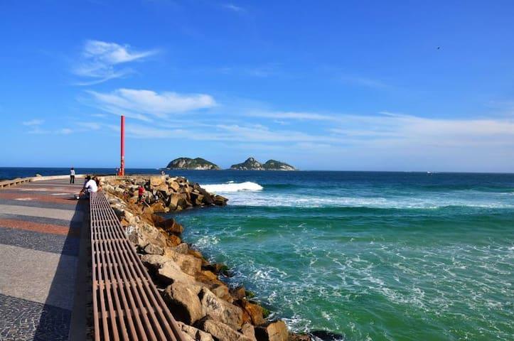 Suite na Barra Wi-Fi free (Ilha da Gigoia)