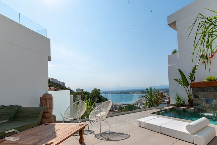 Vista Roses Mar- Cap Ponent D2  Cap Ponent is a very exclusive house with views over the