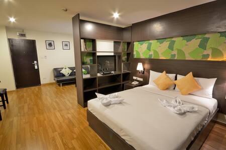 24hrs Service Studio Queen Bed WIFI - Bangkok - Wohnung