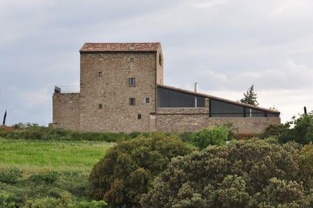 """Casa rural gran, 15 pers. al camp """"Espai Natural"""" - Tárrega - Hus"""