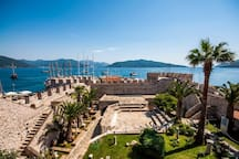 Marmaris Castle / house is only 0.8 km from this magnificent historical building