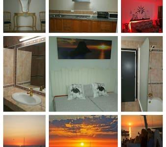 NICE PRIVATE ROOM DOUBLE / SAN ANTONI / IBIZA - Sant Antoni de Portmany - Dom