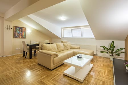 【F Apartments】- 2BD Apt with SAUNA