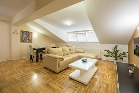 【F Apartments】- 2BD Apt with SAUNA