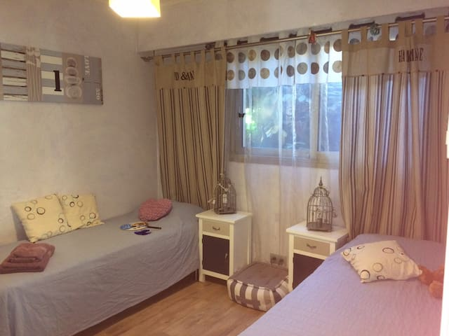 Chambre 2-5 pers Terrasse Plages 300m - Antibes - Bed & Breakfast