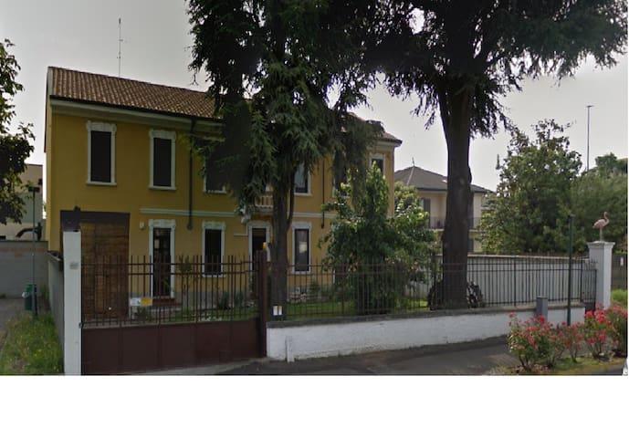 Affitto appartamento e stanze - Marcallo - Haus