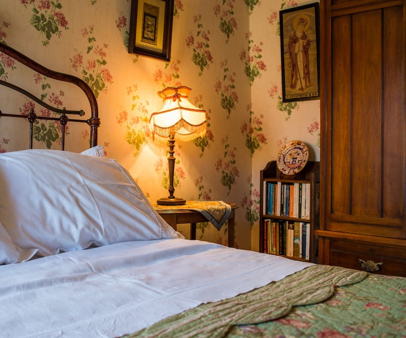 nany hawkins: the bed