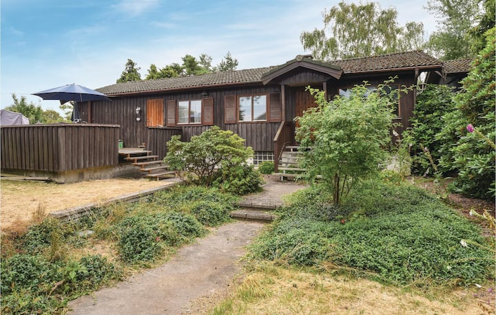 Awesome home in Kärna with 4 Bedrooms