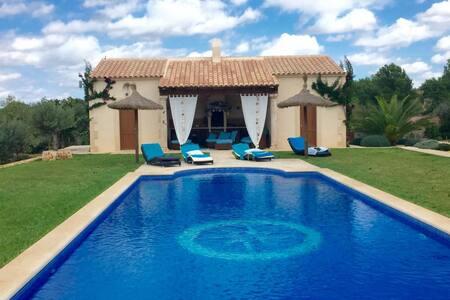 Poolhaus mit Tramuntana Panorama - Rumah