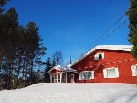 Beauty of Lapland - house and sauna on a hilltop