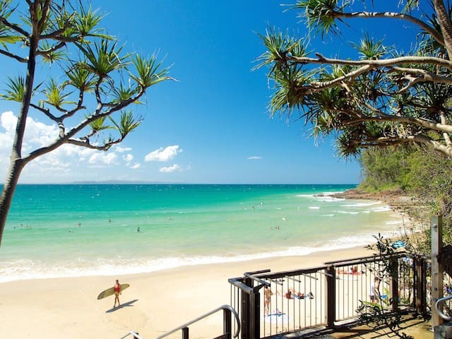Best Air BnB Location in Noosa - 2 level Apartment - Noosa Heads - อพาร์ทเมนท์