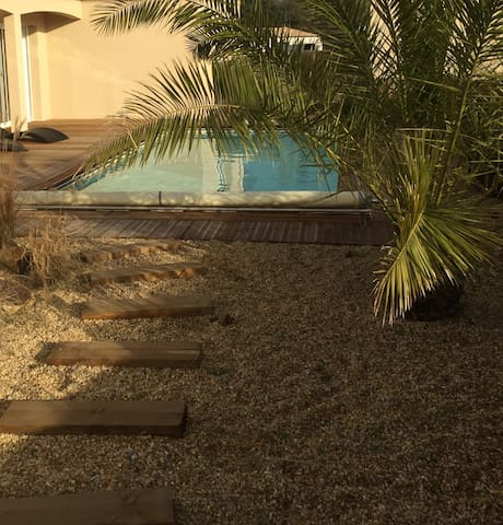 Studio Neuf 18 m2 avec piscine privée - Pornic - Apartament