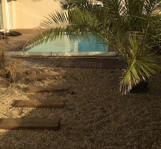 Studio Neuf 18 m2 avec piscine privée - Pornic - Wohnung