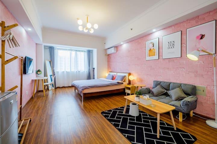万达广场正青春公寓