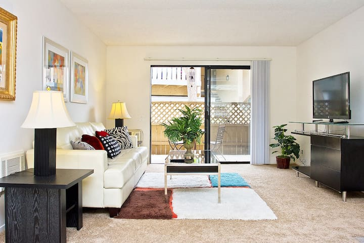 #26 Convenient 2 bd apt - Irvine - Apartamento