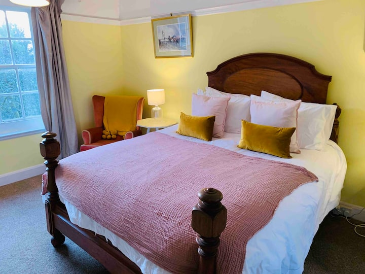 Orchard Rooms, Sleeps 3 with lovely view