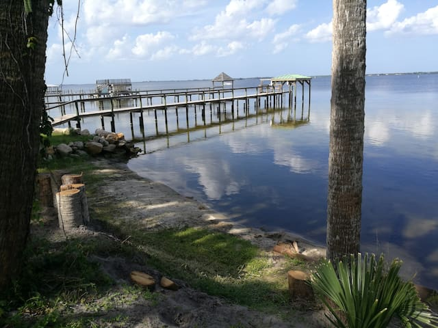 Indian River water access