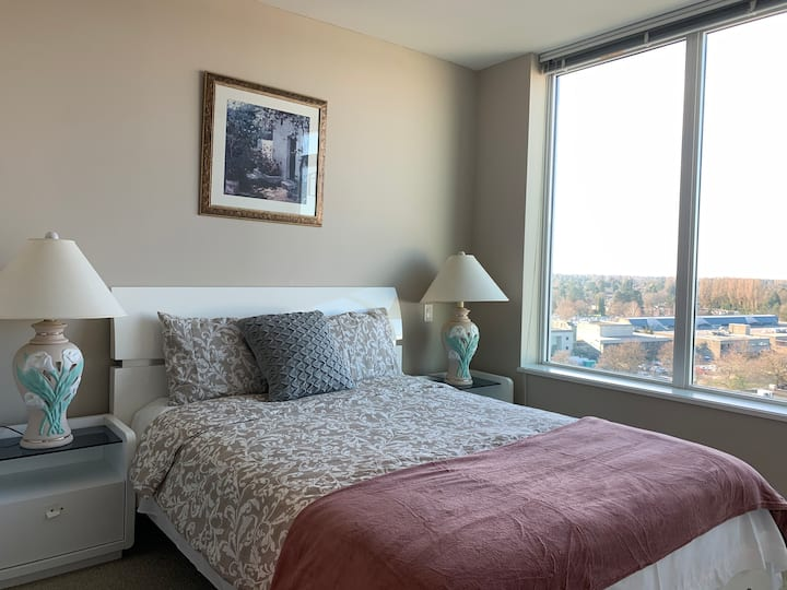 Richmond downtown fashion one bedroom apartment