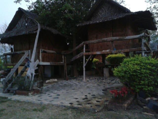 บ้านแฝดเสน่หา บ้านไม้อินบรรยากาศ - ตำบล ช่องสะเดา, กาญจนบุรี, TH - Rumah