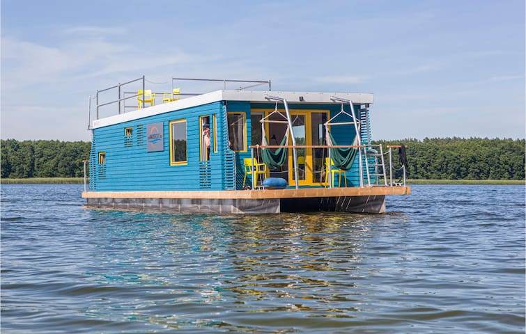Houseboat with 2 bedrooms on 45m² in Lindow