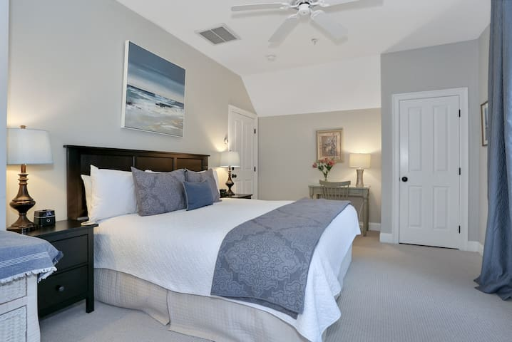 Bayberry Room at Brewster by the Sea Inn