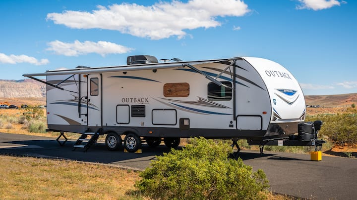 Comfy, clean, new Trailer Camping in Southern Utah