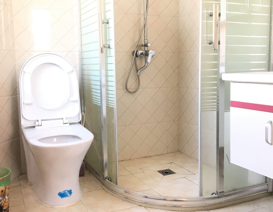 每个房间的卫浴