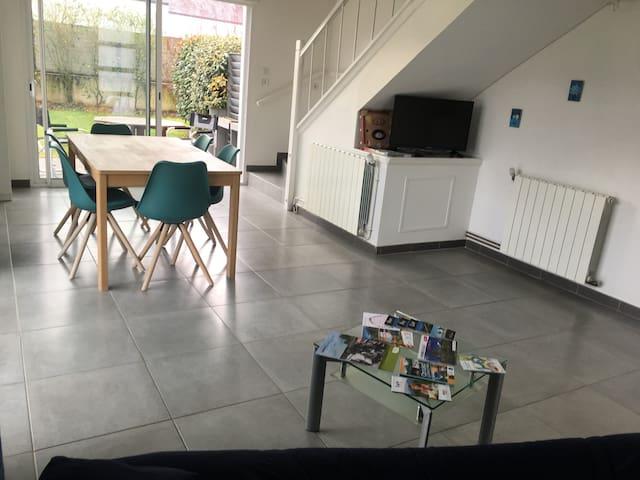 Gîte dans maison moderne et chaleureuse