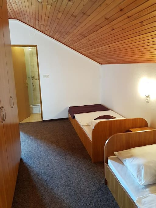 Bedroom 1, Surface: 17 m²