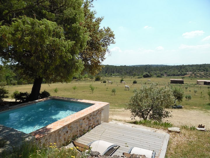 BIG COTTAGE NEAR VERDON AND LAKES