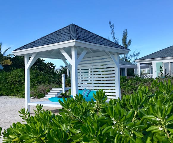 """Whymms Villas """"Sunset House"""" luxury beach & boat"""