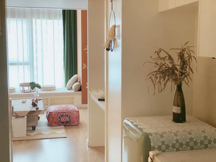 【遇见摩洛哥】复式loft公寓*巨幕投影*大落地窗/中央商务区/南通大学/狼山风景区