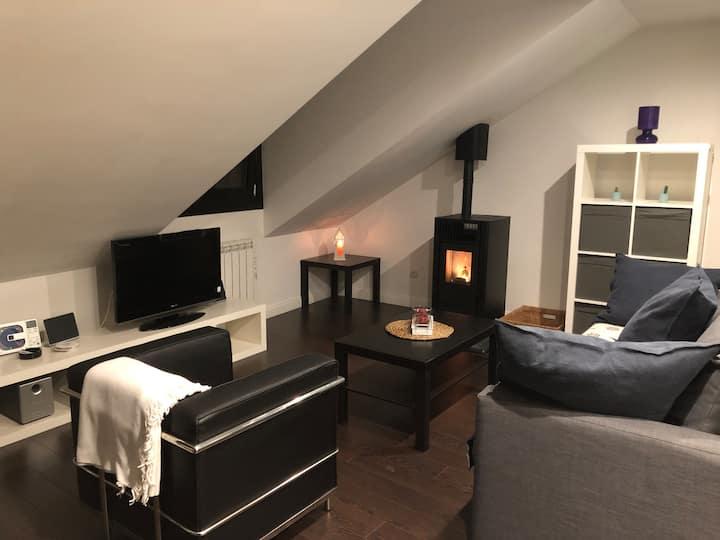 Acogedor apartamento con hidromasaje y chimenea