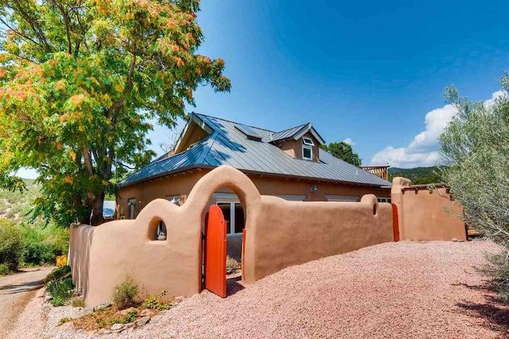 Atalaya -  Upper Canyon Mountainside Retreat. Stunning Views, Kiva, and Hot Tub