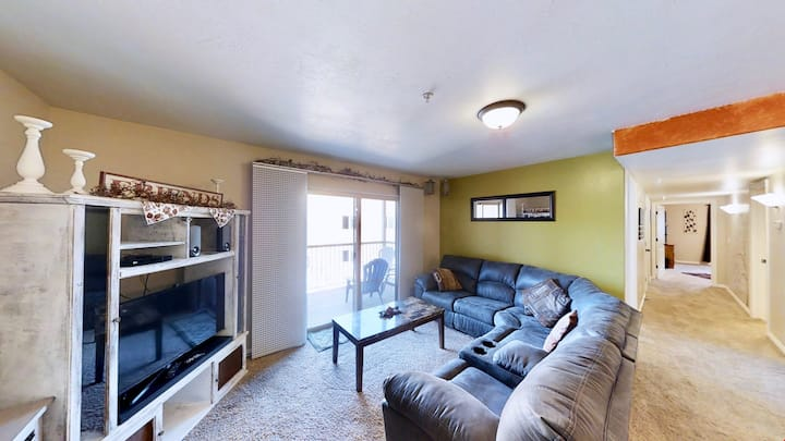 Red Cliffs Condos ~ 3G, Perfect Retreat At Red Cliffs Condos After Hiking Arches National Park  - Red Cliff Condos ~ 3G