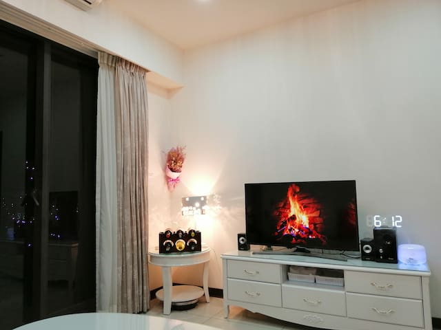 COZY SUITE AT TAICHUNG AREA