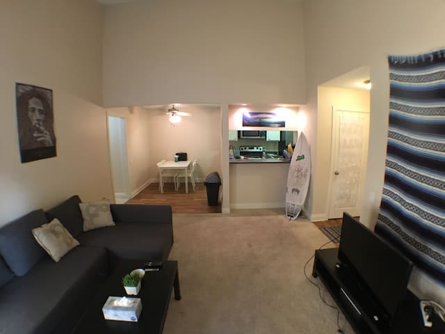 Luxury spacious home between 2nd street and CSULB
