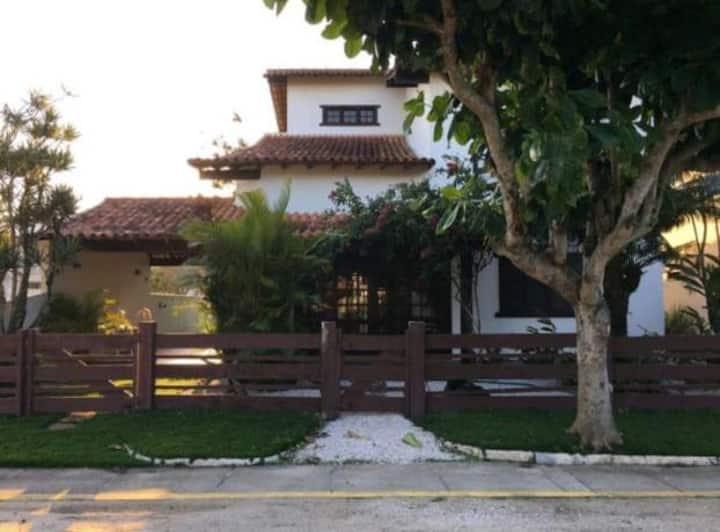 Casa com 5 suítes em São Pedro da Aldeia