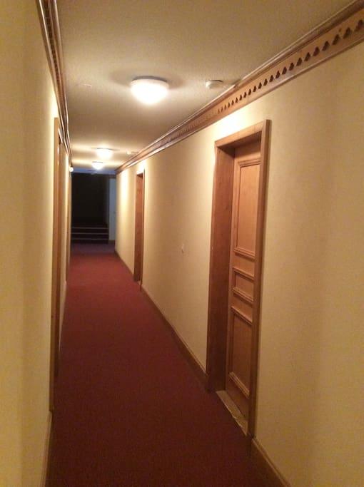 le couloir de la résidence