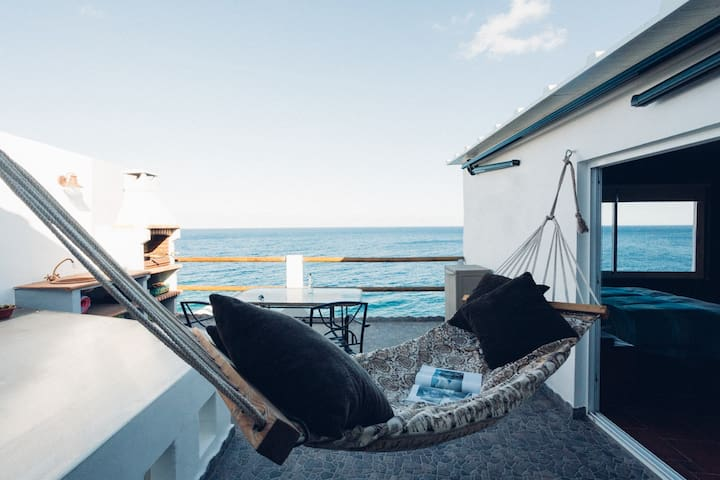 Amazing loft apartment ¨above¨ the Atlantic Ocean - サンタクルスデテネリフェ - ロフト