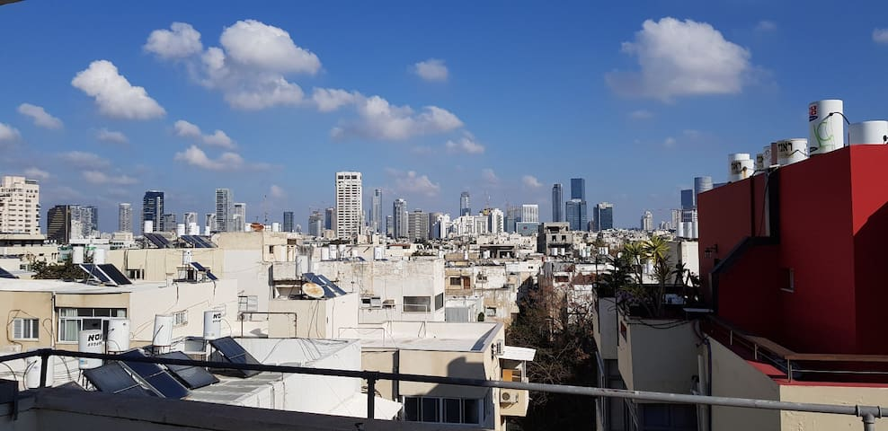 Breathtaking view sunny apartment, Ben-Yehuda