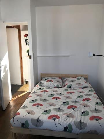 Appartement parisien logement entier..