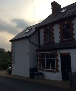 Country house, short walk to London bound trains - Oxted - 獨棟