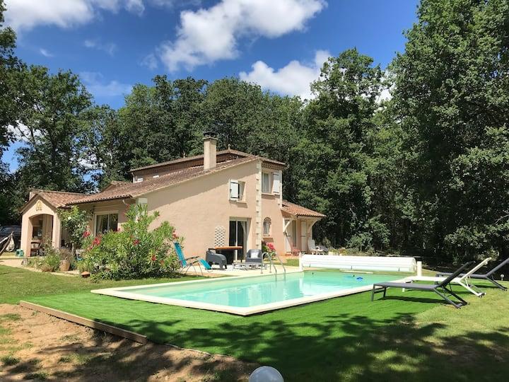 Villa en Périgord 11 pers piscine privée chauffée